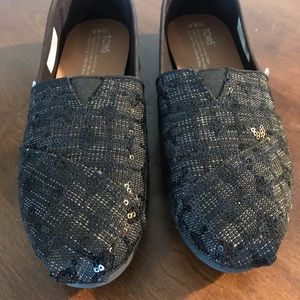 Black glitter sequence Toms